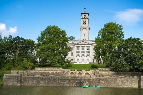 """Top 10 trường đại học """"xanh"""" nhất tại Anh Quốc (Phần 1)"""