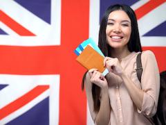 Sinh viên quốc tế có thể ở lại Anh tới một năm sau tốt nghiệp