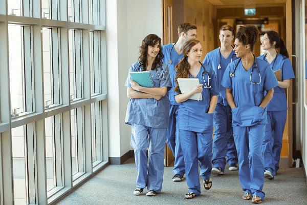 Theo học ngành Y tế và Sức khỏe ở Canada