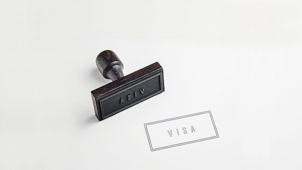 Một chi phí bạn cần quan tâm nữa là phí làm Visa du học
