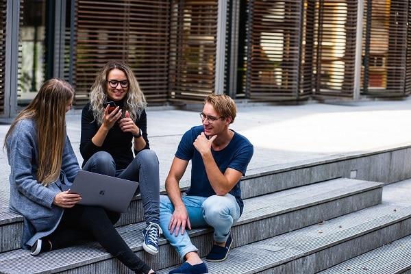 Sinh viên bản xứ tại Úc được hỗ trợ nhiều về chi phí học tập