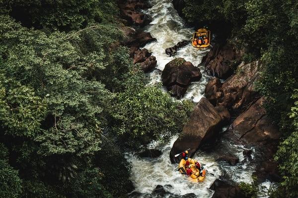 Chèo bè vượt thác ở New Zealand